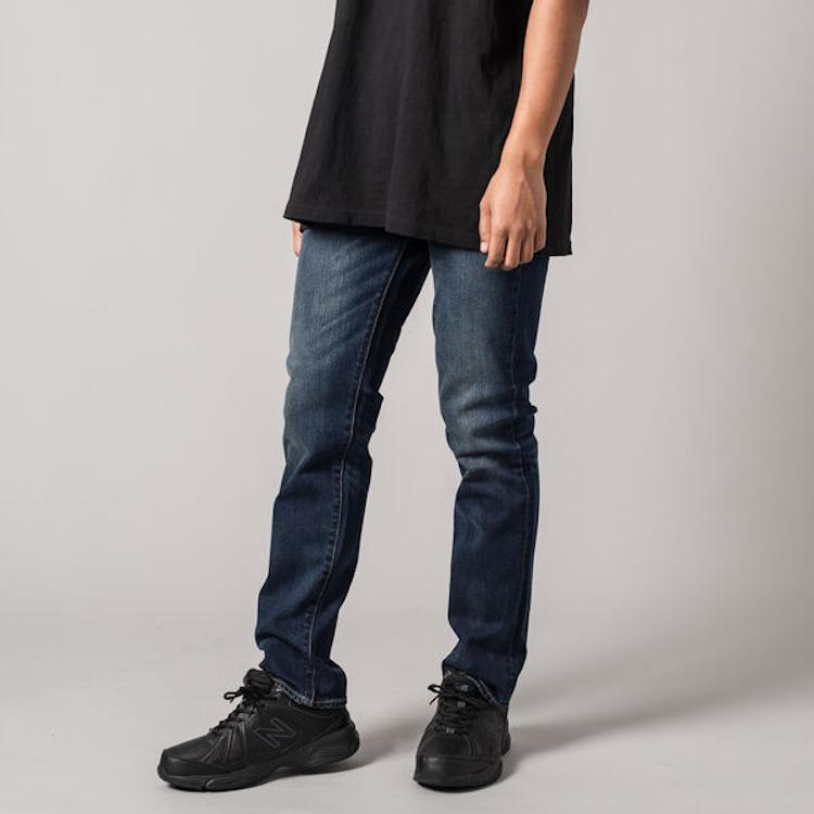 <p><strong>服部さんのベストリーバイス、今買うならこのモデル</strong><br /> 511™ Slim Fit ダークインディゴ 1万2000円/リーバイス®(リーバイ・ストラウス ジャパン)</p>