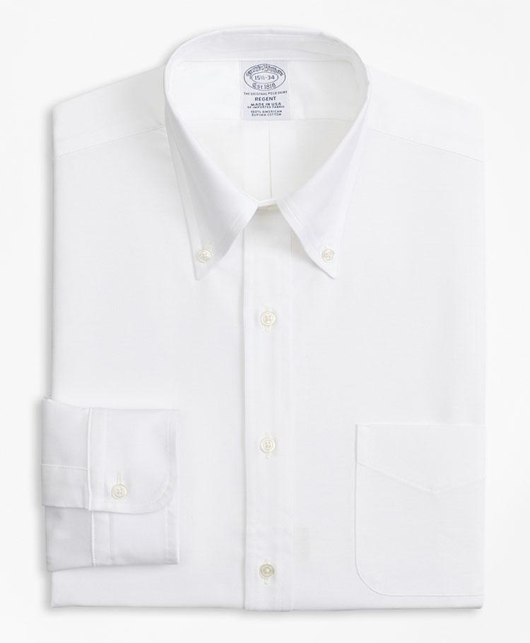 <p><strong>BROOKS BROTHERS</strong><br /> ブルックス ブラザーズ「スーピマコットン <br /> オックスフォード ポロボタンダウン ドレスシャツ Regent Fit」</p> <p><strong>スマートに見える、現代的なBDシャツ</strong></p> <p>ボタンダウンシャツの元祖であるブルックス ブラザーズによるドレスシャツがこちら。柔軟性、吸湿性が持ち味の米国産スーピマコットン素材にくわえ、米国製という点も見逃せない。細身で、やや着丈の短いリージェントフィットを採用しており、着る人をすっきり見せてくれる。1万9000円</p> <p> <a class=