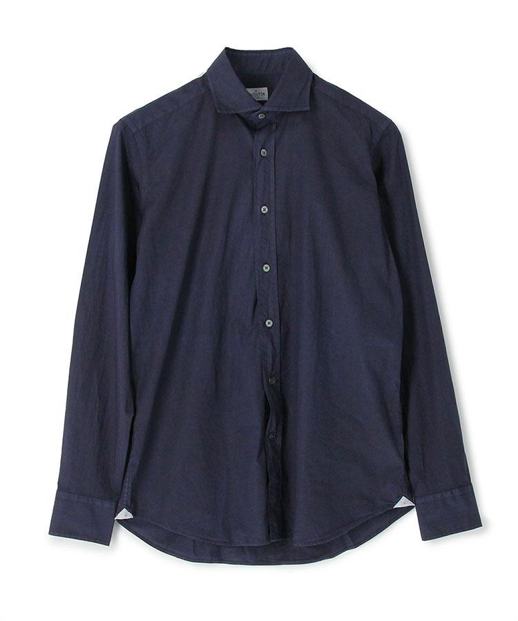 <p><strong>BAGUTTA</strong><br /> バグッタ「 セミワイドカラーポプリンシャツ」</p> <p><strong>大人の色気をさりげなく醸し出せる秀作</strong></p> <p>イタリアの人気シャツブランド、バグッタからはセミワイドカラーシャツをピックアップ。このシャツは新ディレクターが生み出したセミワイドの襟型「アンドレア」を採用している。この襟型は、さりげなく大人の男の色気が漂うのがポイント。ポプリン素材ならではの軽やかな着心地も実用的でいい。2万4000円</p> <p> <a class=