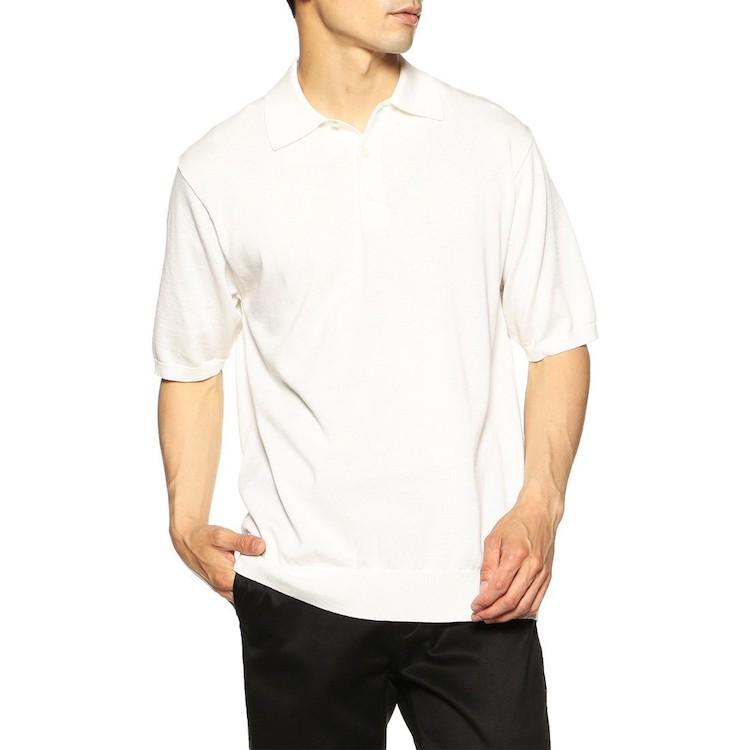 <p><strong>【人気No.2ポロシャツ】<br /> バーニーズ ニューヨークのコットンニットポロシャツ</strong><br /> 続く2位は海島綿を使用したオリジナルポロ。最高級綿の上品な光沢と極上の肌触りを、ジャストサイズで堪能できるところが嬉しい。ニットのためカジュアルすぎず、着て行くシーンを問わず着回しやすい。2万2000円</p> <p><a class=