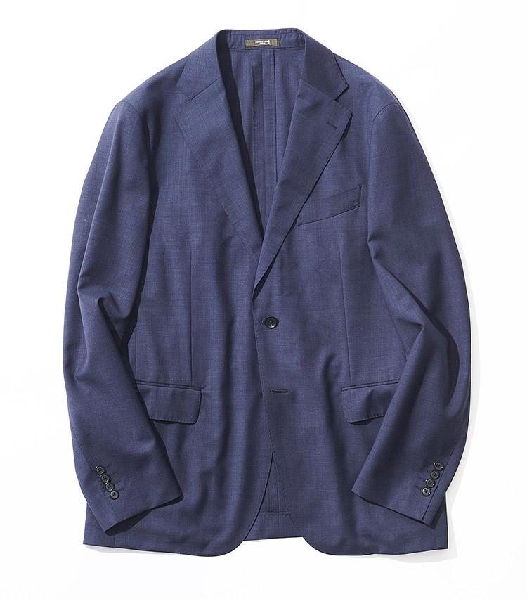 <p><strong>1.マッキントッシュ ロンドンのジャケット</strong><br /> 薄手のウェザーウーステッドウール生地とアンコン仕立てが相まって、実に軽快な着心地に。ネイビーとブルーの糸が混色した色合いは、ビジネス顔一辺倒にならず休日使いにも◎。5万9000円(SANYO SHOKAI TEL:0120-340-460)</p>