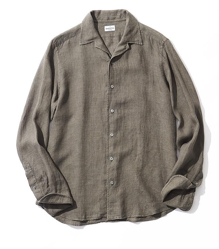 <p><strong>14.バグッタのシャツ</strong><br /> オープンカラーを採用するジョニー。開放的な襟周りに加えて、リネン100%の生地が軽やかな着心地を提供する。それでいて背ダーツを駆使したシルエットは、あくまで洗練顔。2万4000円(シップス 銀座店 TEL:03-3564-5547)</p>