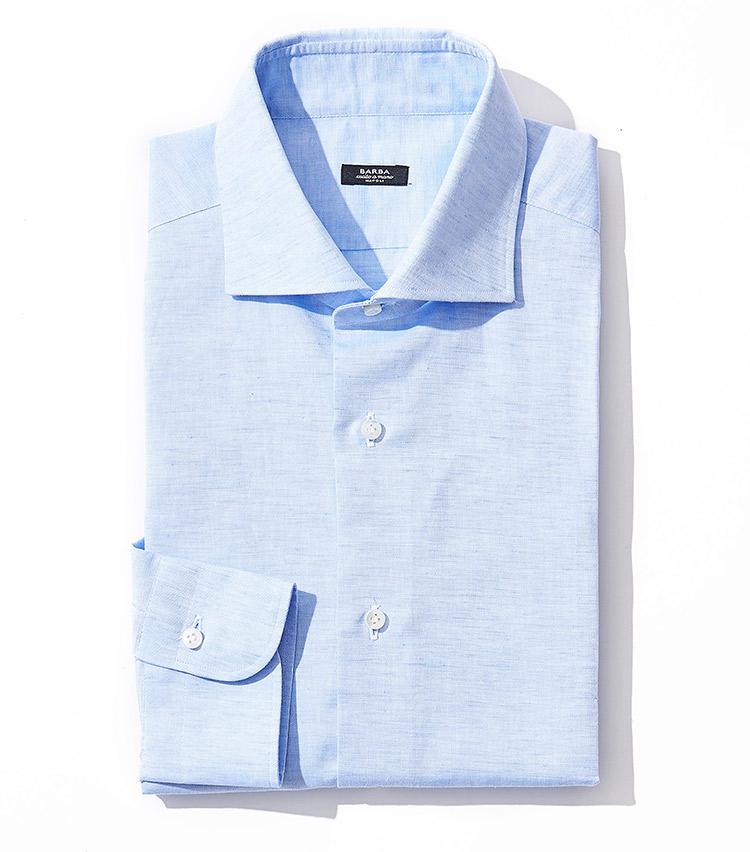 <p><strong>8.バルバのシャツ</strong><br /> コットンに麻を45%ブレンドすることで、清涼感のあるドライな肌触りを実現。それでいて、背ダーツを用いることで着姿はスマートかつスタイリッシュに。2万8000円(ストラスブルゴ TEL:0120-383-563)</p>