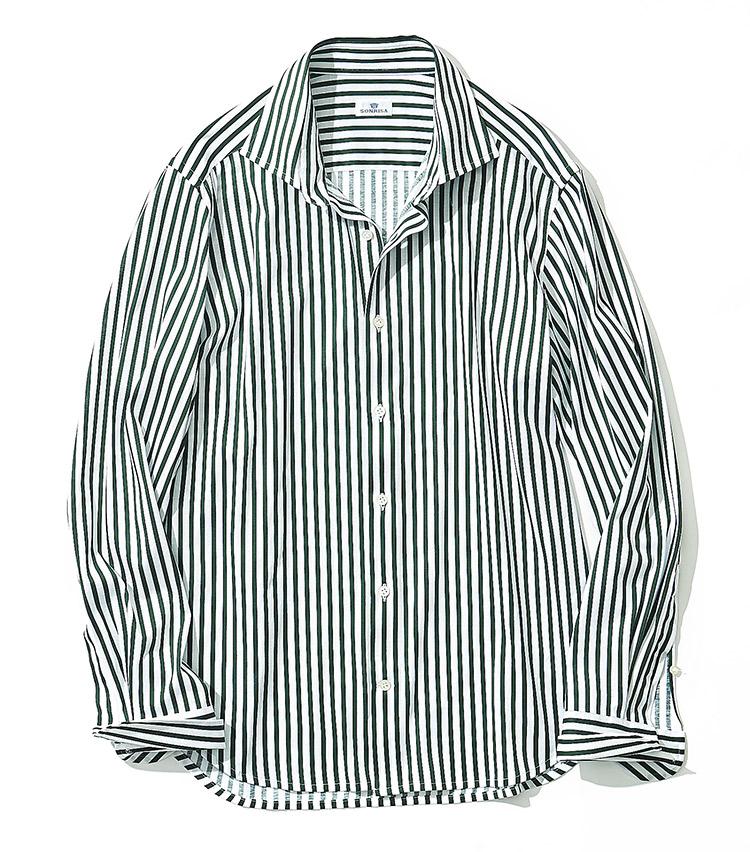 <p><strong>9.ソンリーサのシャツ</strong><br /> もはやスポーツウェア並みと言っても過言ではない、ハイストレッチシャツ。ロンドンストライプを配したこの1枚は、アルビニ社によるコットンジャージーを採用する。3万2000円(<a class=