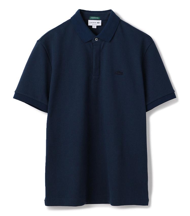 <p><strong>【人気No.1ポロシャツ】<br /> ラコステ×エストネーションのドライタッチポロ</strong><br /> ダントツ1位は、仕事でリアルに着られる別注ラコステ。ラコステのドレッシーなモデル「パリポロ」をベースに、一枚でもジャケットを羽織っても決まるシルエットに調整。生地は吸汗速乾性のあるざっくりしたコットンを採用し、アイコンのワニも同色で控えめに馴染ませている。1万9000円</p> <p><a class=