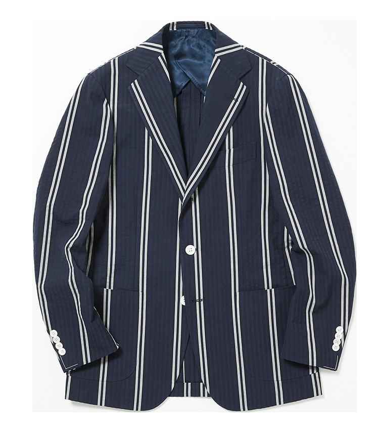 <p><strong>3.リングヂャケットのストライプジャケット</strong><br /> 太縞のレガッタストライプがカレッジテイスト満点のジャケット。ウール混のサッカー素材を使用した軽量設計のため、見た目端正で着心地ラクチン。仕事中の冷房避けやリゾートの羽織りとしても活躍する。8万5000円(リングヂャケットマイスター206 青山店)</p>