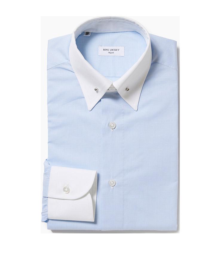 <p><strong>4.リングヂャケット ナポリのピンホールカラーシャツ</strong><br /> ナポリの手仕事が生きるシャツは、ピンホールカラー&クレリックカラーの襟元が印象的。ギャザーの量や縫製、袖口の仕様、ボタンの縫い付けなど、細部までこだわったオリジナルシャツだ。4万2000円(リングヂャケットマイスター206 青山店)</p>