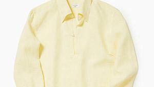 「一枚で夏の休日スタイルがお洒落になる」のは、こんなシャツ