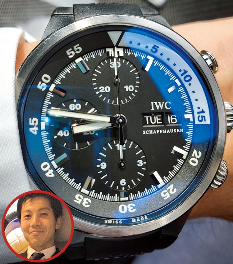 <p><strong>メルセデス・ベンツ日本 営業企画部 部長 亀岡 徹さんの愛用時計<br /> Brand…IWC Model…アクアタイマー クロノグラフ</strong><br /> 「30歳の記念に購入した初の機械式時計。IWCの開拓者精神あふれるブランド背景に感銘を受け、ドイツ赴任中にシャフハウゼンで直接購入。IWCと同じく歴史あるブランドを担う者として、つけていると気が引き締まります」</p>