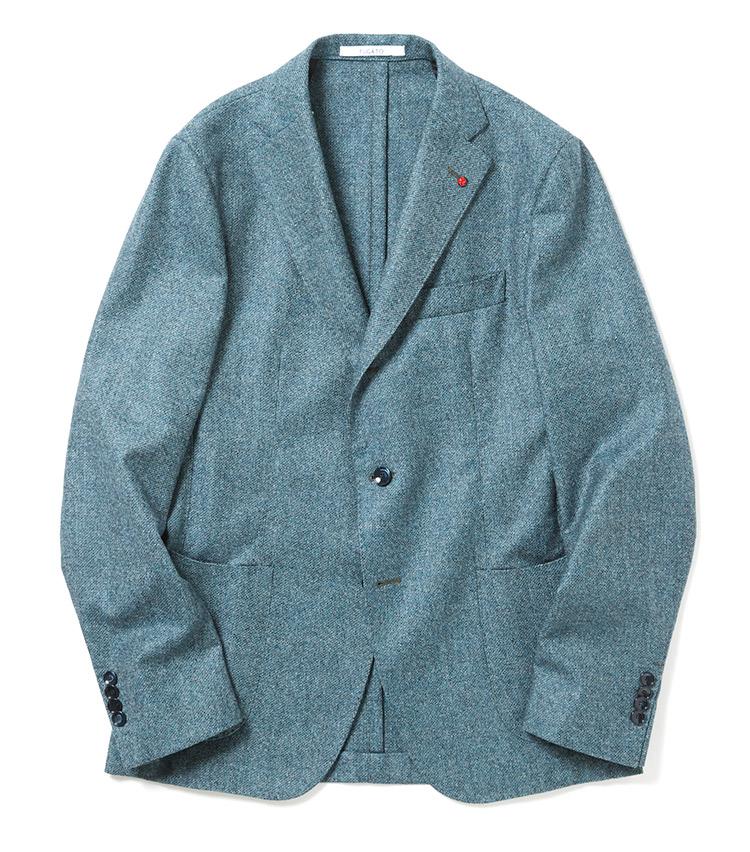 <p><strong>■FUGATO</strong><br /> ベーシックな段返り3Bジャケットは、バルカポケットにサイドにはパッチ仕様のポケットを配置したイタリアブランドらしい軽快さが魅力。立体的なウールの風合いで、見た目も肌触りも秋口にピッタリだ。「今季の注目カラー、ダークターコイズはネイビージャケットの新たな一手として是非お早めに。実は、ミドルにこそ似合う柔らかさのある上品カラーなんですよね」。<br /> 6万8000円(シップス銀座店)</p>
