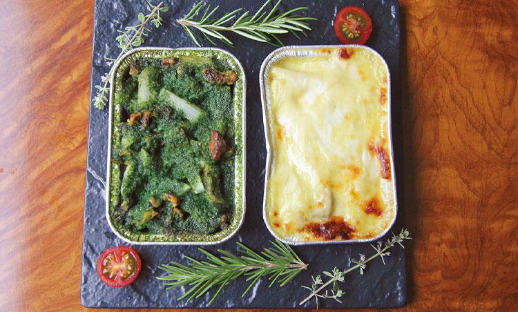 <p>左)ツブ貝と独活のガーリックバター焼き 右)三重県畔蛸町、北川さんの岩牡蠣と小松菜のグラタン カレー風味</p>