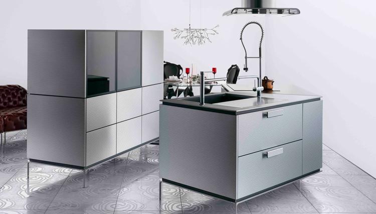 「ゼロ導線キッチン」とは? 進化するシステムキッチンの最新モデルを紹介【ひと言ニュース】