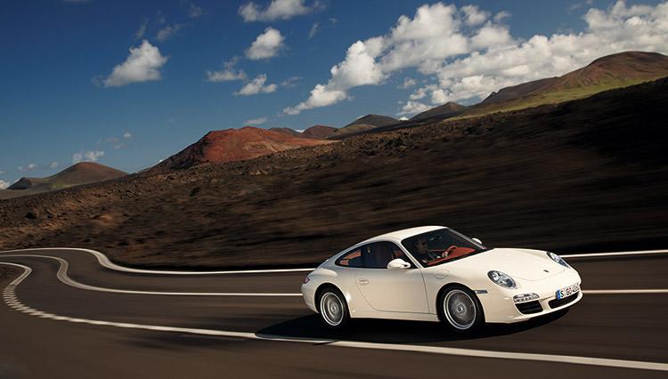 予算400万円前後で「ポルシェ911」の中古車で探すなら、本命は「タイプ997」
