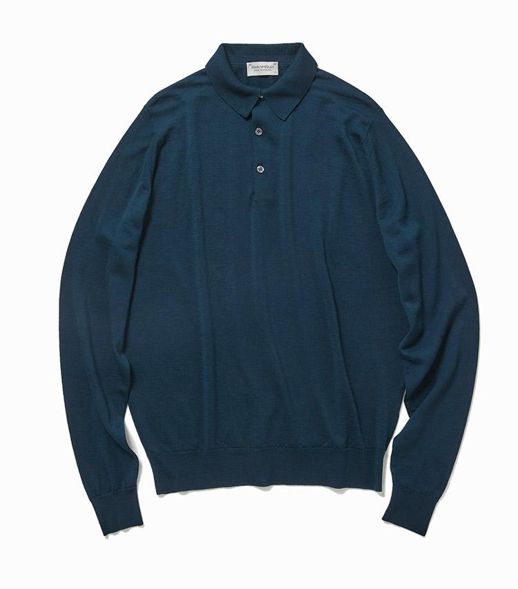 <p><strong>14.ジョン スメドレーのグリーンニットポロ</strong><br /> 上質な海島綿の編み地に品が香るイギリスブランド。こんな青みがかったグリーンは、黒や紺といった定番色とはひと味違う個性を発揮。落ち着いたトーンなので、ビジネスでも活躍が見込める。3万7000円(ビームス 六本木ヒルズ)</p>