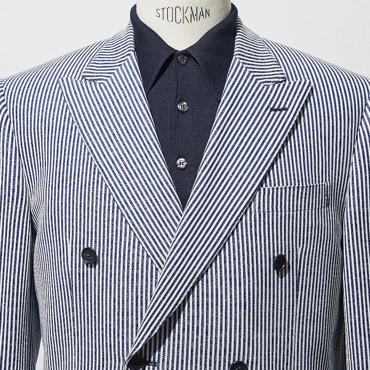 <p><strong>9位<br /> 「仕事で着るポロシャツ」きちんと感を出すには?【1分で出来る胸元お洒落】</strong><br /> クールビズの時期に多く着られるポロシャツの装い。よりきちんと感を出して着るには、ダブルブレストのジャケットを羽織るのが効果的だ。こちらのコーディネートでは、涼しく夏に最適なシアサッカー生地のダブルジャケットを着用。この形のジャケットは、前を留めると胸元のVゾーンが普通のジャケットより狭くなるので、インナーのノータイ感が目立ちにくい。一般的なジャケットのノータイの装いに比べて、かっちりした印象で着こなせるのだ。</p>