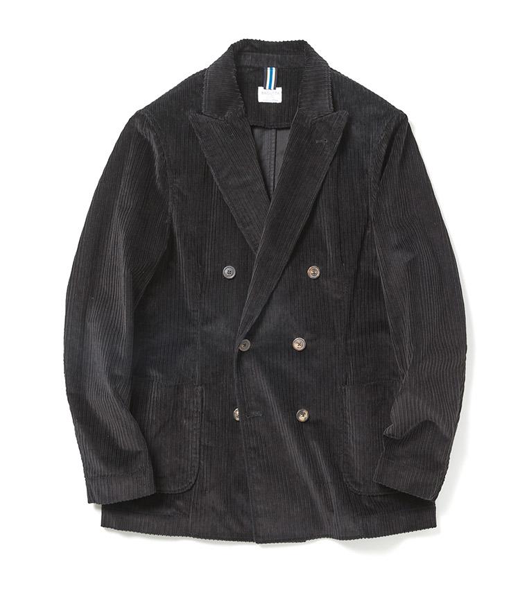 <p><strong>BAGUTTA</strong><br /> 構築的なシルエットとシャツのような軽やかさを併せ持つライトジャケットは、オンオフを問わず、在宅スタイルにもおすすめな大人のコンフォートアイテムだ。「コーデュロイは今シーズンもトレンド。各サプライヤーからの提案が多く、パンツの他にジャケットやシャツ等のアイテムにも用いられています。特に中畝〜太畝が旬です」。4万9000円(ビームス 六本木ヒルズ)</p>