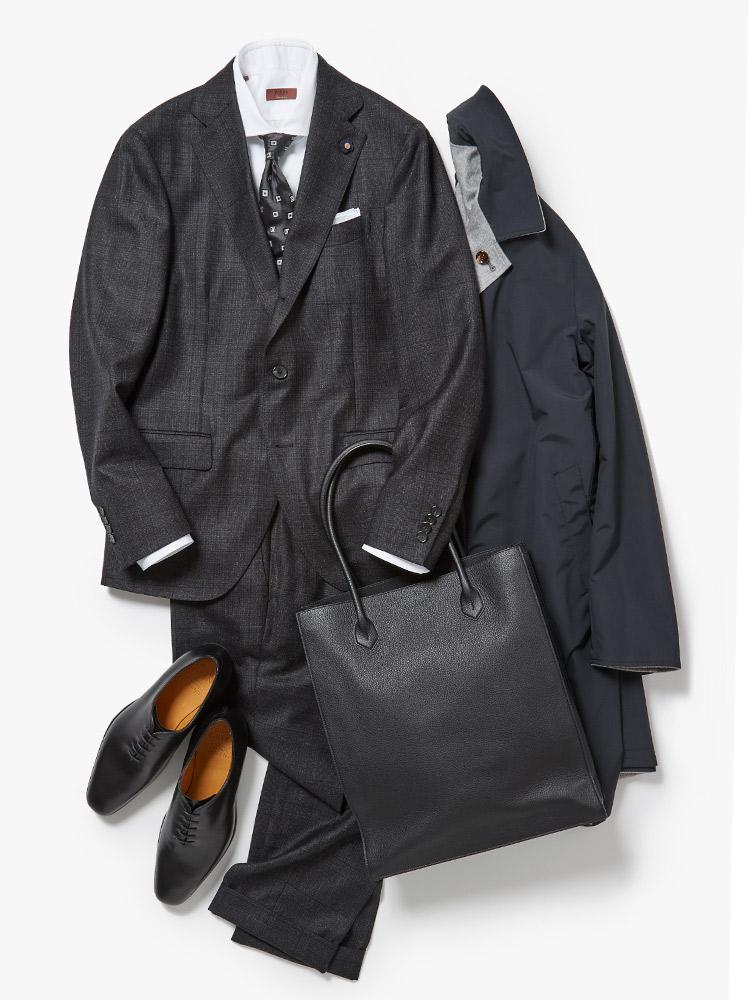 モノトーンのスーツスタイル