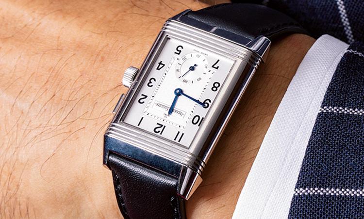 <p>時計はジャガー・ルクルト。シルバーケースと決めているそう。</p>