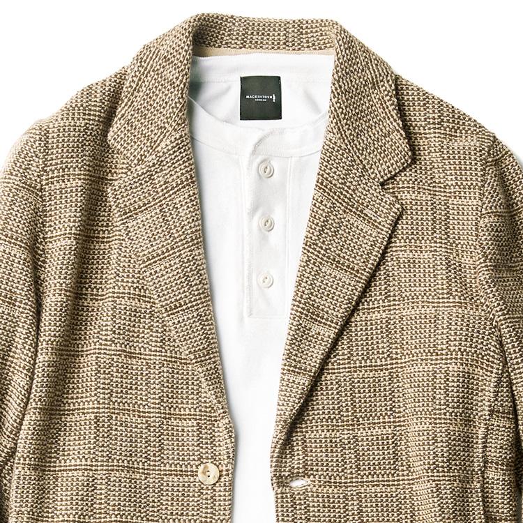 休日ジャケットの装いは、インナーを工夫すべし【1分で出来る胸元お洒落】