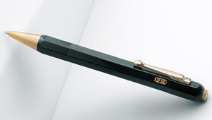 モンブランが100年振り(!)となる八角形のペンを発売