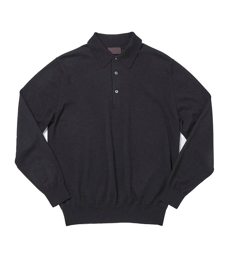 """<p><strong>9.ゼニア バルファ キャッシュウール ニットポロ</strong><br /> イタリアの名門紡績会社ゼニア バルファ社の""""キャッシュウール""""糸をハイゲージに編み立てたニットポロ。柔らかで優しい風合いはもちろん、発色の美しさや上品な光沢も極上のカシミアニットさながらだ。繊維長が長い羊毛を使用するため毛玉にもなりにくく、デイリーに上質なニットを纏いたい人にはこの上ない逸品だ。1万1000円</p> <p><a class="""