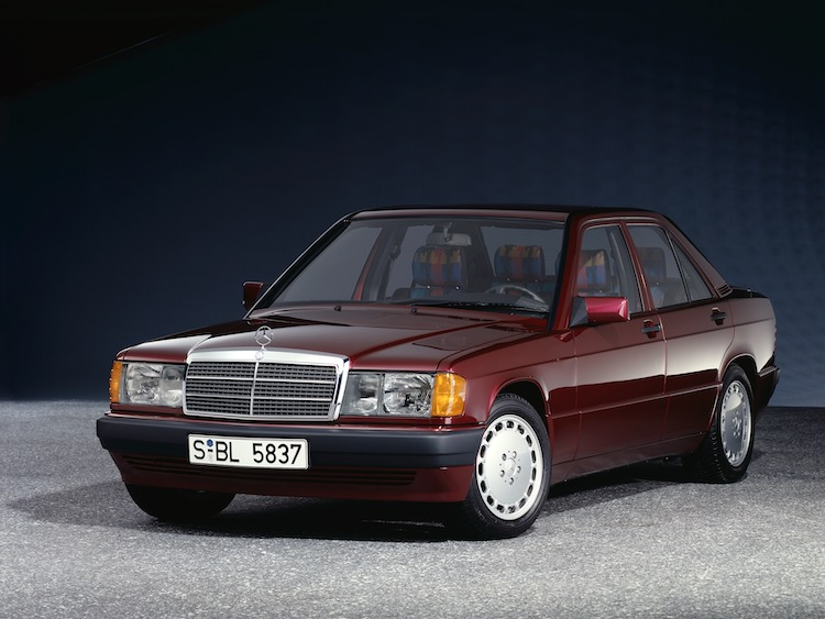 1982年にブランド初のコンパクトモデルとして登場した190