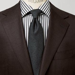 シャツ×タイの合わせを大人らしくするコツ【1分で出来る胸元お洒落】