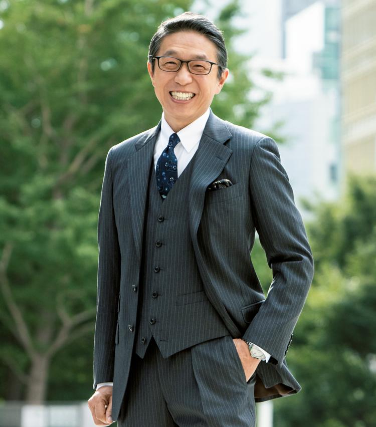 <p><strong>【日本環境設計 取締役会長】<br /> 岩元美智彦(いわもと みちひこ)</strong><br /> 1964年生まれ。鹿児島県出身。北九州市立大学卒業後、大手繊維商社に就職。営業職として再生繊維を作る事業に携わる。2007年に現社長・髙尾正樹氏と二人で日本環境設計を創業した。</p>