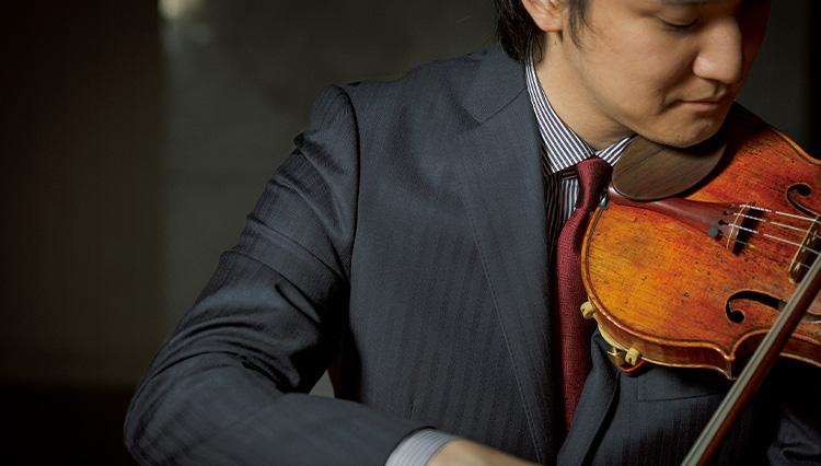 ヴァイオリニスト成田達輝さんが出合った「魅せるスーツ」とは?