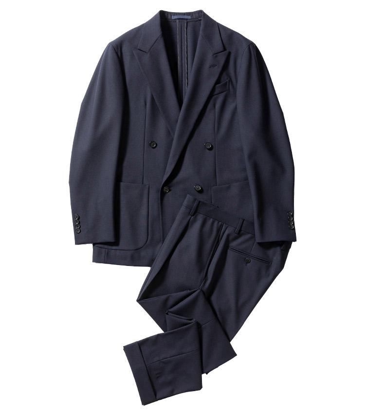 <p><strong>3.カルーゾのダブルジャケット&パンツ</strong><br /> ステイタスを選ばず、広く浸透したダブル。とはいえ、その立ち位置は変わった。このバタフライのように、軽さと柔和さを以って着るのが今どきのスタンダード。ジャケット9万5000円、パンツ3万2000円(ユナイテッドアローズ 六本木ヒルズ店 TEL03-5772-5501)</p>