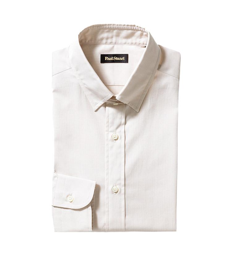 <p><strong>9.ポール・スチュアートのベージュタブカラーシャツ</strong><br /> ノータイが一般的になった今、こんなカラーシャツは持っておくと便利。コットンポプリンを染めるライトトーンのベージュは、ビジネス定番色のネイビーともグレートも馴染む実用色だ。1万9000円(ポール・スチュアート 青山本店 TEL03-6384-5763)</p>