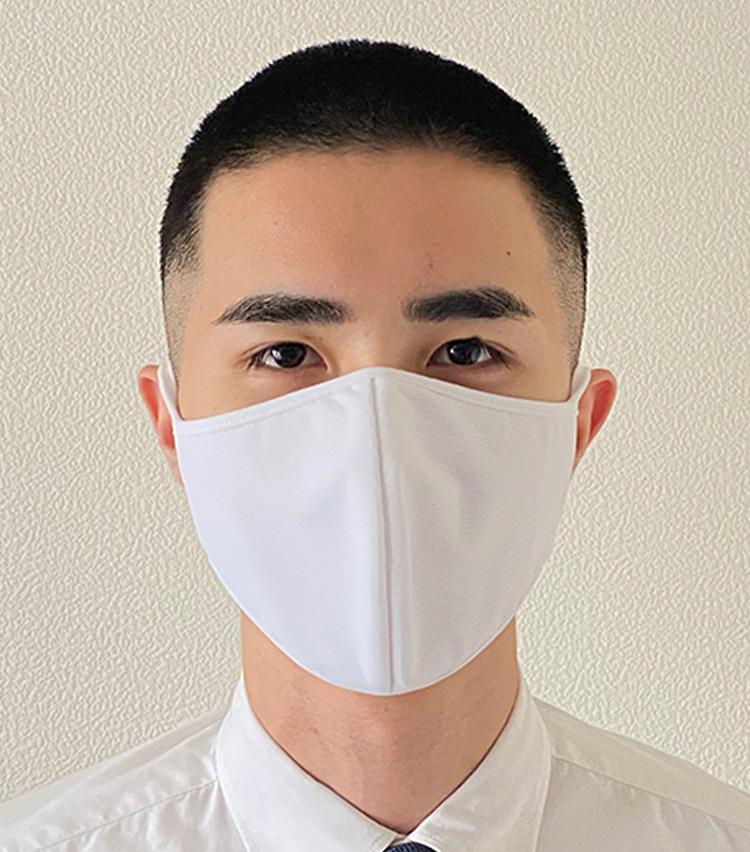 <p><strong>ユニクロの「エアリズムマスク」</strong><br /><strong>M.E.新入部員が着用してみた①</strong></p> <p>さすがのエアリズムで、蒸れにくい。息を吐いてもすぐに乾いていく感覚がある。</p>