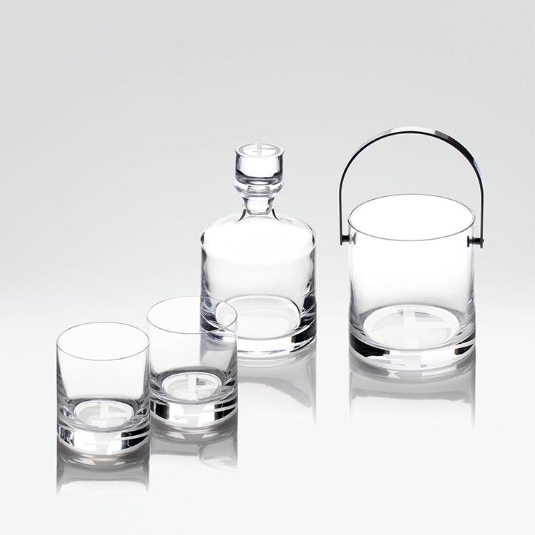 <p>左:コレリ ウィスキーボトル+ウィスキーグラス2個セット5万4500円<br /> 右:コレリ アイスバケット4万1300円</p>