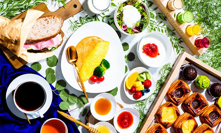 <p>今秋より新登場のワンランク上の朝食メニュー『メズム・ブレックファスト』。 キュリナリーマイスター(総料理長)隈元香己氏が厳選した食材を使い、 見た目にも鮮やかな朝食メニュー。</p>