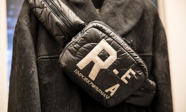 <p>「R-EA」メンズ バッグ 6万円</p>
