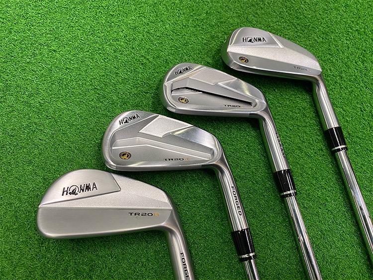 左から「TR20 B」、「TR20 V」、「TR20 P」、「TR21 X」
