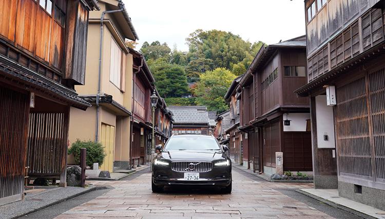 冬の金沢・富山からボルボの最新電動モデル「V90」を走らせて考えた燃費事情【前編】