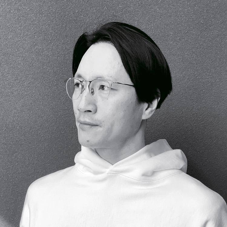 I.ENOMOTO(アイ.エノモト)のメガネ_榎本さん
