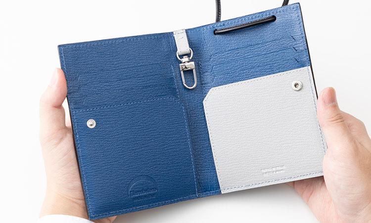 <p>《ラルコバレーノ/開いたところ》<br /> ブルー×ホワイトの配色は、爽やかで好感度高し。</p>