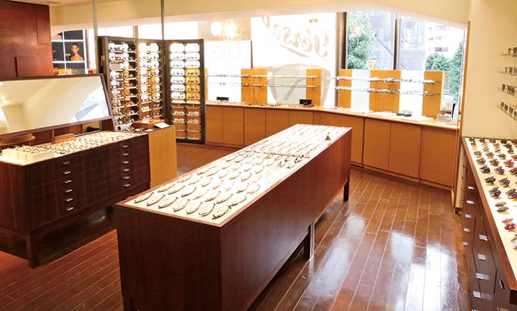 全国の優良眼鏡専門店_アイウェアメビウス