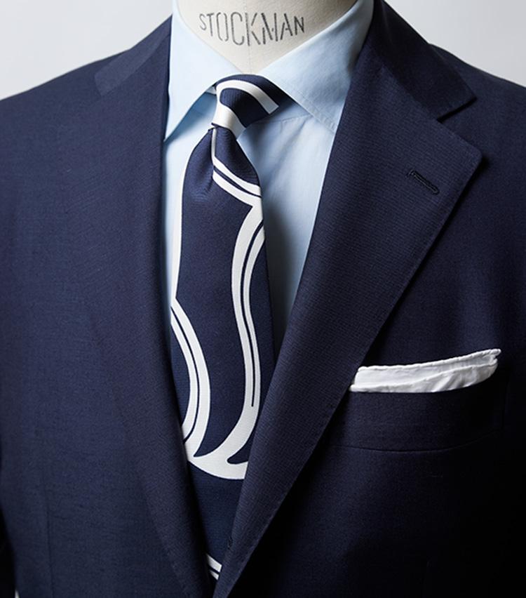 紺スーツ×ブルーシャツ×青白タイ