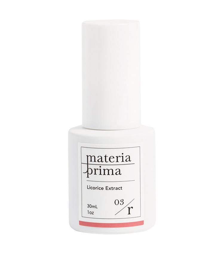 <p><strong>Materia prima<br /> マテリアプリマのR03 甘草エキス</strong><br /> 肌が敏感に傾いているときに頼りになる美容液。古来より甘草は過敏に傾いた肌をなだめ、保護してくれると先人たちが重宝していた植物で、化粧水で整肌した後に全顔に塗布するだけ。30ml 4800円(マテリアプリマ)</p>