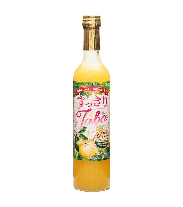 """<p><strong>Ozaki Food Corporation<br /> 尾崎食品のスッキリJaba</strong><br /> ジャバラ柑橘には花粉症対策に注目されているフラボノイドの一種の""""ナリルチン""""や、腸内環境を改善するビフィズス菌を増加させるという""""ガラクトオリゴ糖""""を多く含有。毎日20mlの摂取で体の内側からもケア。490ml 2000円(尾崎食品)</p>"""