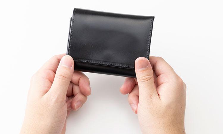 <p>《グレンロイヤル/サイズ感》<br /> 小さめのバッグにも入る優れたサイズ感。</p>