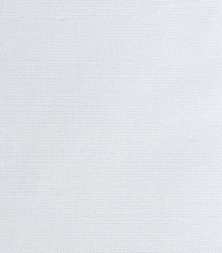 <p><strong>1.ブロード</strong><br /> シャツ地の代表素材で、ポプリンとも呼ばれる。糸の太さが細いほど柔らかな手触りになり、光沢が増す。</p>