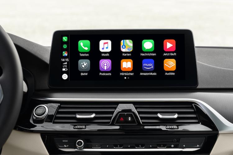 <p>世代に合わせインチアップしたインフォテインメントシステムは、Apple CarPlay に対応。Android Autoは海外では7月生産分から対応しているが、日本では未定となっている。</p>