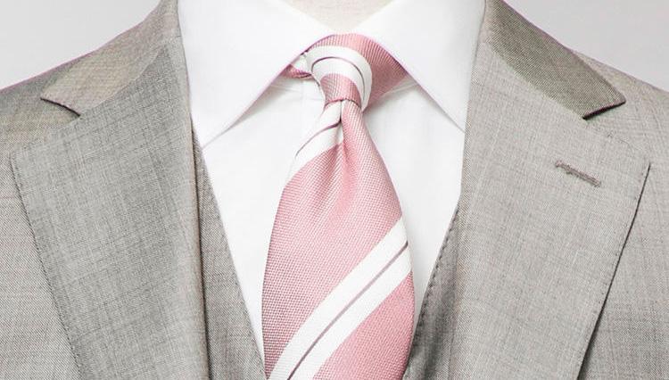 春の勝ち色「ピンク」。メンズの装いにうまく取り入れるには?