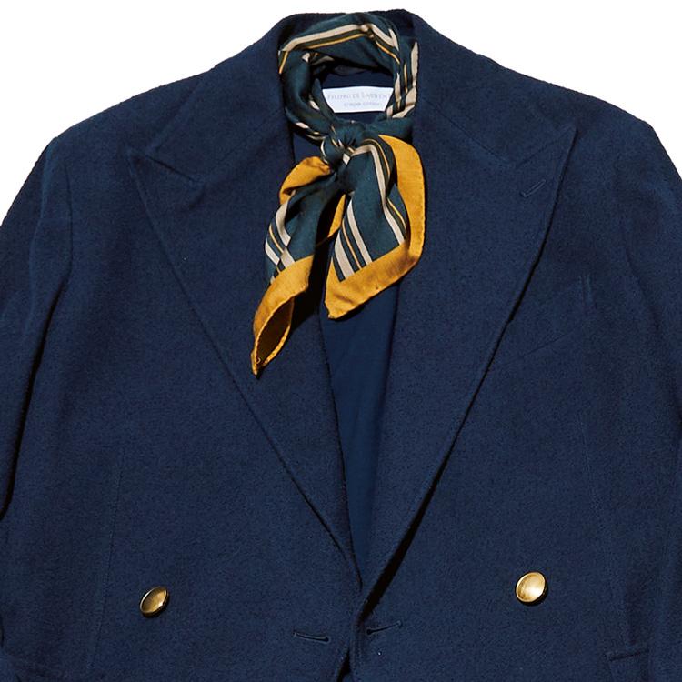 休日ジャケットスタイルに「ネッカチーフ」が重宝する理由【1分で出来る胸元お洒落】
