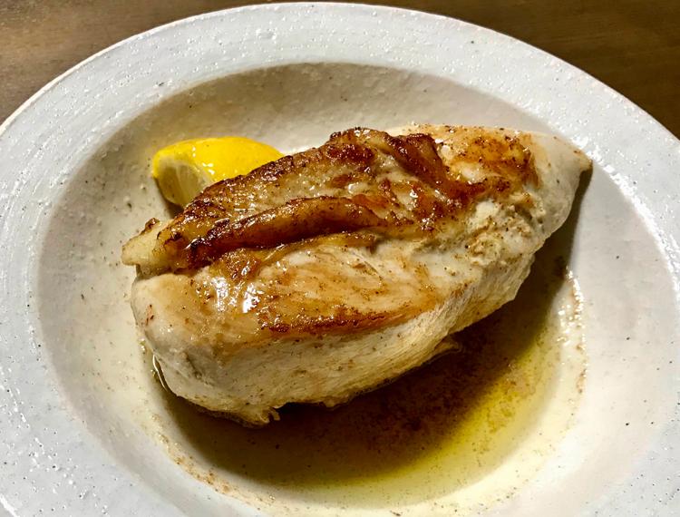 鳥胸肉のバターソテー