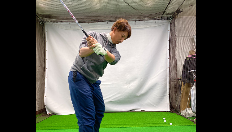 ゴルフお悩みQ&A「方向性を良くする手首の使い方は?」